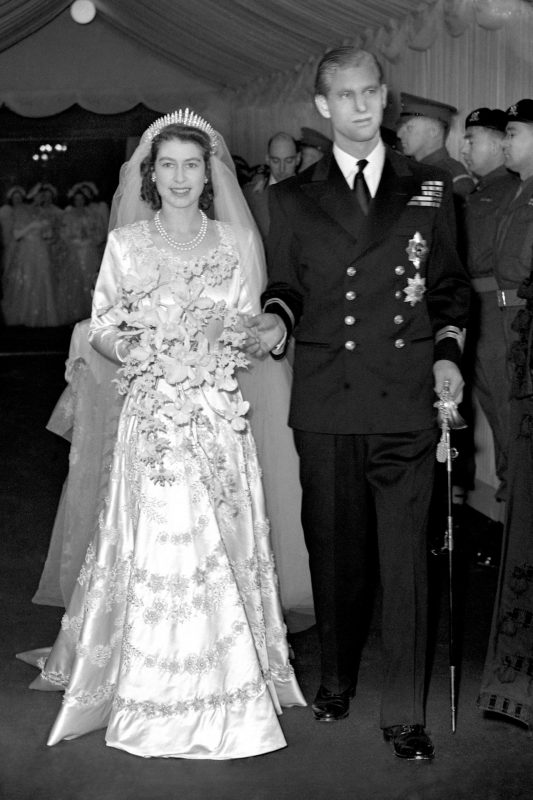 Norman Hartnell dress designed for Princess Elizabeth featured sparkling crystals, pearls, silver thread embroidered on tulle